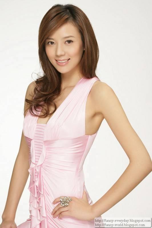 周韋彤 (56)