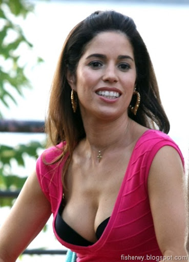 Ana Ortiz - Wallpaper Gallery