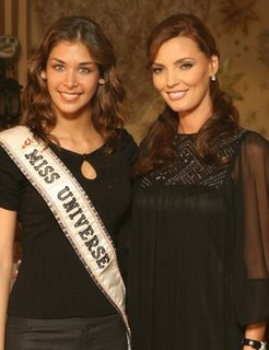 Oleksandra Nikolayenko and Miss Universe 2008 Dayana Mendoza Picture
