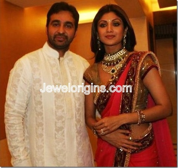 Shilpa_Shetty_Gold_Jewellery