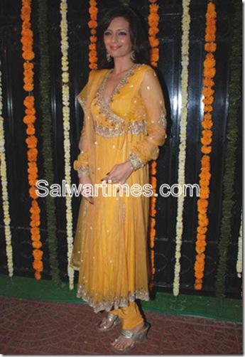 Roshini Chopra_Yellow_Designer_Salwar_Kameez