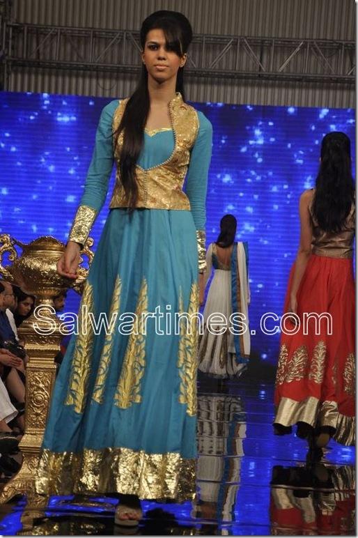 Manali_Jagtap_Designer_Salwar_Kameez (2)