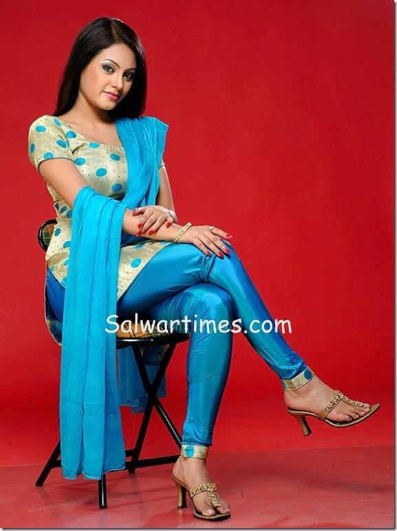 Meenakshit_Designer_Salwar_Kameez