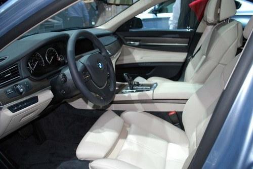 Interior ActiveHybrid