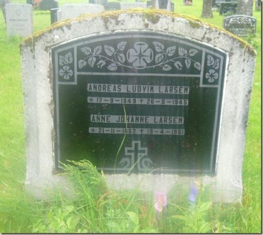 Headstone_AndreasAnneLarsen