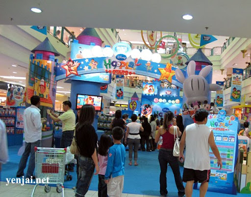dutch lady playhouse disney 1 utama
