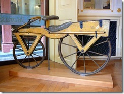 800px-Draisine_or_Laufmaschine,_around_1820__Archetype_of_the_Bicycle__Pic_01
