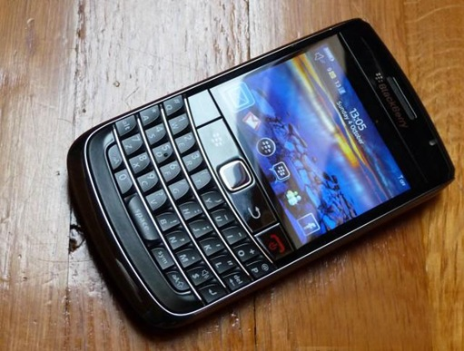 BlackBerry-Bold-9700-Onyx-front