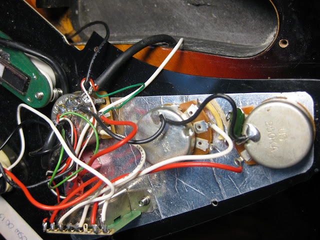 blade texas standard wiring problem the gear page rh thegearpage net DiMarzio Super Distortion Wiring-Diagram DiMarzio D Activator Wiring-Diagram