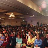 Plateia atenta ouve a prgação do Bozo.jpg