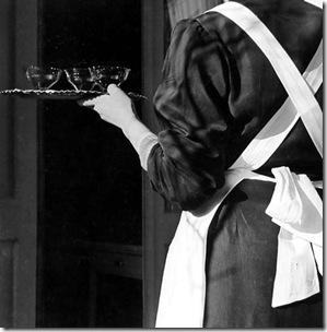 """dal libro: Fotografia a Venezia nel dopoguerra   """"LA GONDOLA""""     pag. 85 Carlo Bevilacqua Cameriera, 1952"""