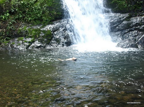 Visiting_a_waterfall_in_Sarawak_17