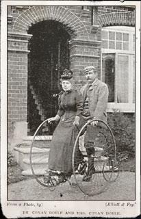 Arthur Conan Doyle y esposa