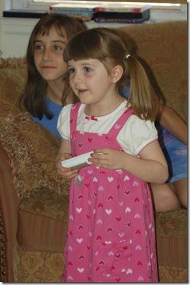 2009_1018_Sarah-Wii-6