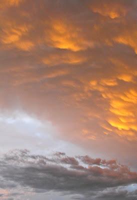 bucuresti - apus de soare intre dupa furtuna