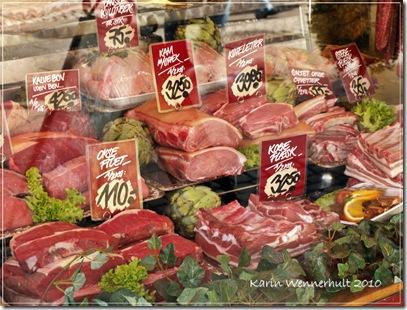 Kött i butiksfönstret