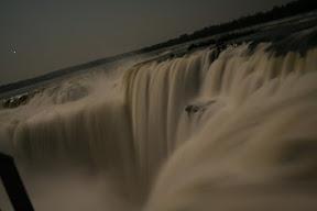 Garganta del Diablo de noche, Cataratas del Iguazú