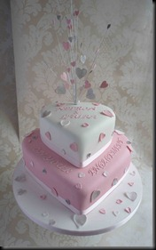 Engagement-cake-Hearts2