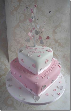 Engagement-cake-Hearts2