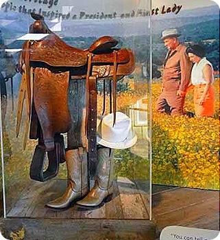 1-saddle_boots