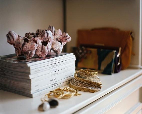 julie design-idea-magazine-stack
