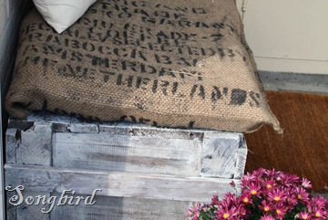 Burlap pillow detail