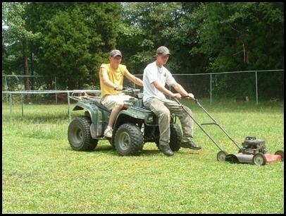 redneck_lawn_mowing