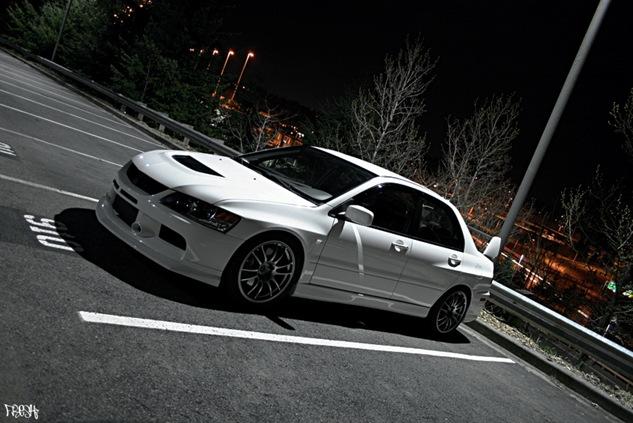White-EVO-9