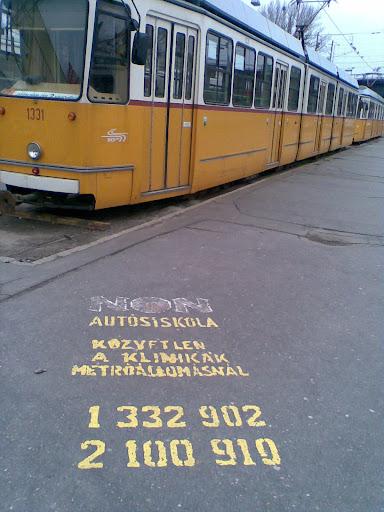 Non-Stop Autósiskola<br />JOGOSÍTVÁNY - Egyetlen autósiskola sem kínál ehhez hasonlót Budapesten.