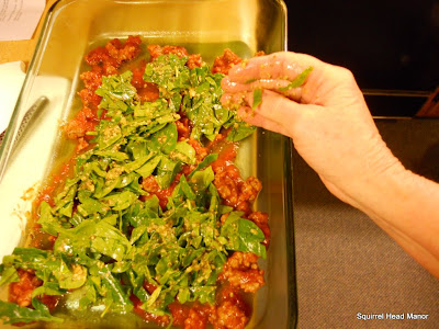 ... : Pasta Presto Nights & Magazine Monday - Sausage and Ravioli Lasagna