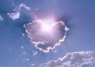 szeretet felhő és napfény