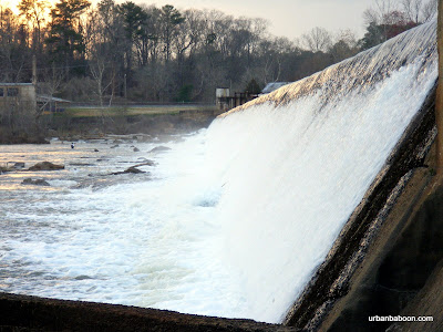close up of the dam's falling waters