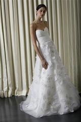 Monique_Lhuillier_Spring_2010_Bridal_Images_009