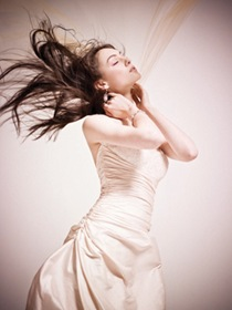 tendencia moda vestidos novias