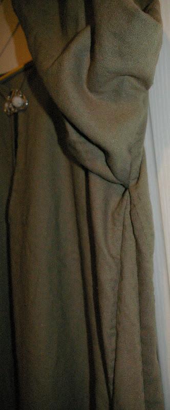 Robe mérovingienne (autre) SG1L7305