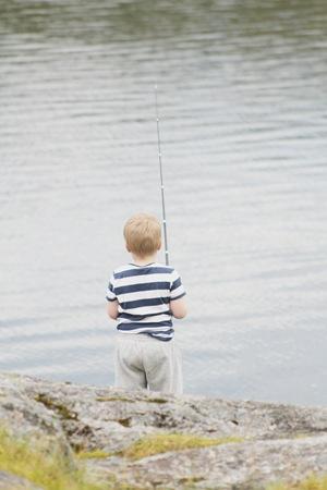 storebror på fisketur