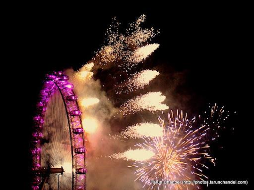 london eye night. New Year London Eye Fireworks,