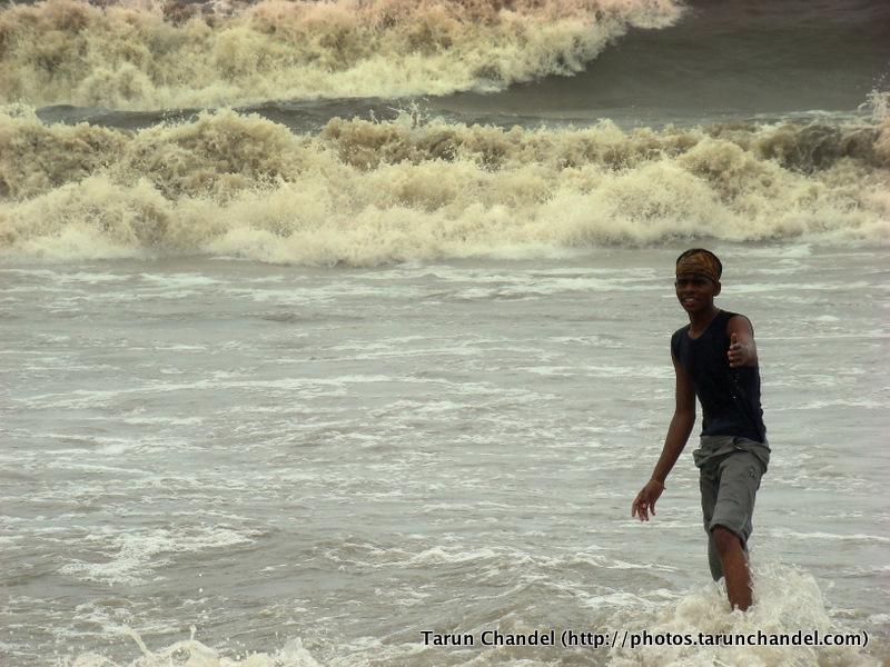 Standing tall in the waves, Tarun Chandel Photoblog