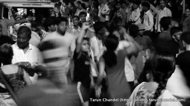 Crowded Ganesh Visarjan Festival Mumbai, Tarun Chandel Photoblog