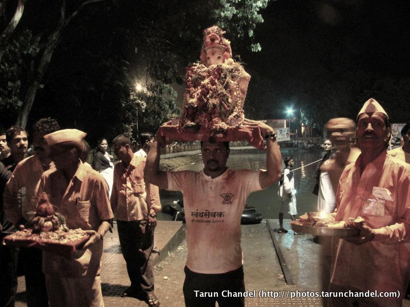 Ganesh Visarjan Prayer Festival Mumbai, Tarun Chandel Photoblog