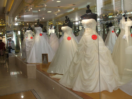 wedding gown stores