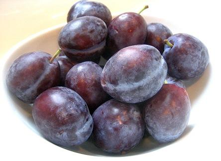 prune plums2