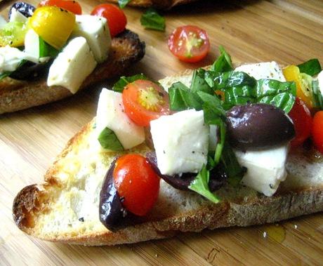 cherry tomato crostini5