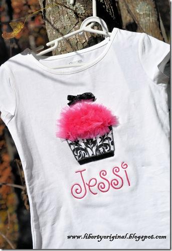 Cupcake shirt Jessi close