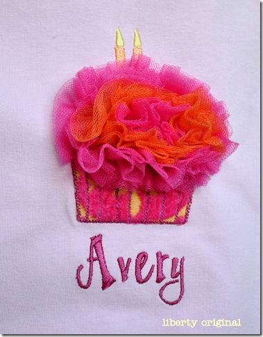 Avery Cupcake Close