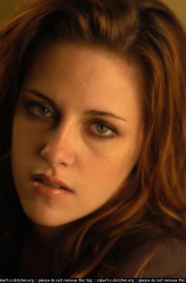 Bella (Kristen Stewart) Normal_004