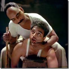 Nayakan é torturado pela polícia