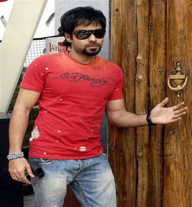 photo of emraan hashmi in tum mile