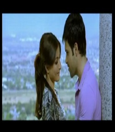 picture  of emraan and soha ali khan in tum mile movie -2009