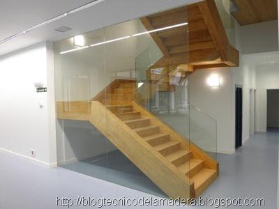 Blog t cnico de la madera escalera de madera laminada en for Escalera de madera 5 pasos